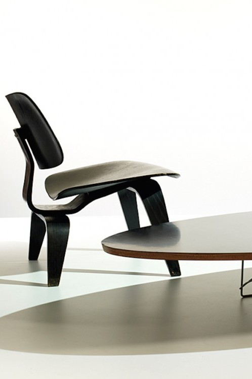 ins-eames-lcw_10